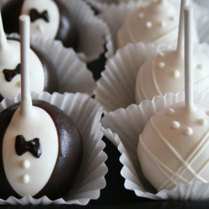Bride_and_groom_cake_pops-300x300