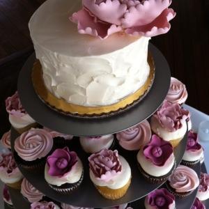 custom-vintage-pink-cupcake-tower1-300x300