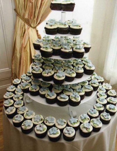 pansy-and-ladybug-cupcake-tower1